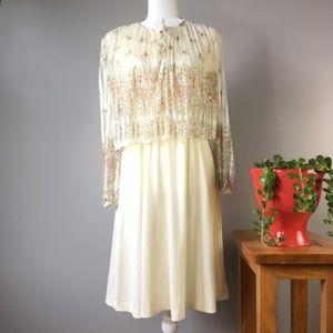 Vintage Gilberti Dresses Tiered Floral Cream Mini
